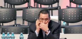 Premierul Ponta are probleme la serviciu: bdquo;M fur angajaii!