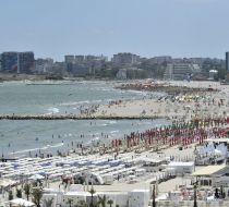 Voucherele vor aduce un plus de peste 300.000 de turiști pe litoral. Alți 300.000 vor vrea să meargă la mare, dar nu vor mai găsi locuri