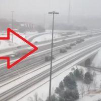 Cum se curata o autostrada in Canada. 24 de autospeciale in doar doua minute, in tara unde iernile sunt la ele acasa. VIDEO: