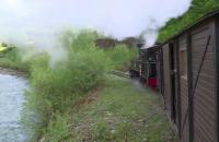 OUT Peisaj feeric pe Valea Vaserului. Batrana Mocanita e pregatita sa plimbe turistii care aleg Maramuresul pentru vacanta de 1 mai