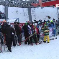 O ora schiezi, trei stai la coada. Lunga lista de probleme cu care se confrunta turistii in Poiana Brasov