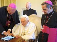 VIDEO Papa Benedict al XVI-lea a scris primul sau mesaj pe Twitter