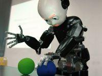 VIDEO Un robot a fost nominalizat pentru a duce flacara la Jocurile Olimpice din 2012