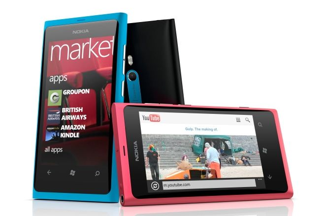 VIDEO Nokia a lansat mult asteptalul Windows Phone: NOKIA Lumia 800. Vezi pretul
