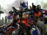 Robotul care merge pe bicicleta fara sa-si piarda echilibrul si un Optimus Prime politicos