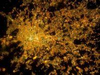 Imagini ametitoare din spatiu: astea sunt locurile de pe pamant unde nu e niciodata noapte!