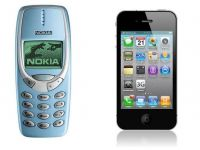 Batalia secolului: Nokia 3310 vs. iPhone 4S