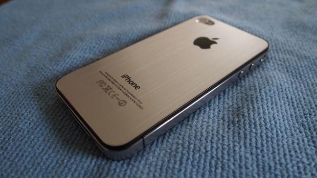 Apple ieftineste iPhone 4 si iPhone 4S, pentru ca telefoanele nu se mai vand