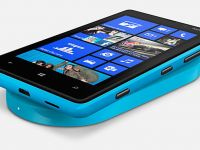 VIDEO: Finlandezii au lansat Nokia Lumia 820, cu incarcator wireless si Windows Phone 8