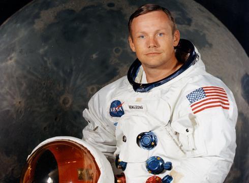 Mormantul lui Neil Armstrong nu va putea fi vizitat niciodata. Unde va fi depus eroul de pe Luna