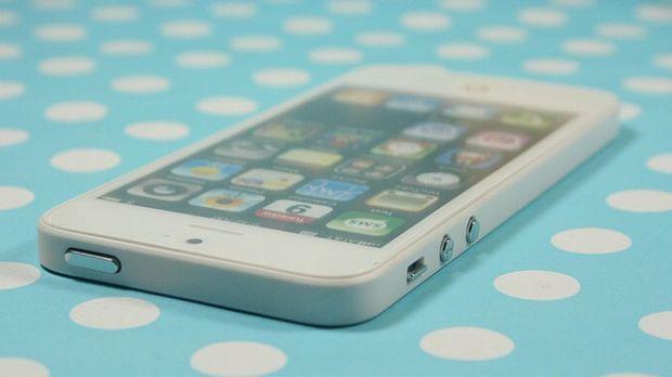 Tocmai mi-am luat un iPhone 5.  Au crezut ca au dat de o superoferta. Cu ce s-au ales in schimb