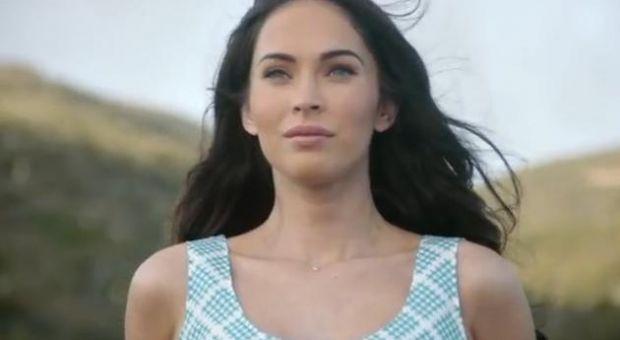 VIDEO: Una dintre cele mai sexy femei din lume face reclama la ultimul Ultrabook de la Acer. Cum apare Megan Fox in clip