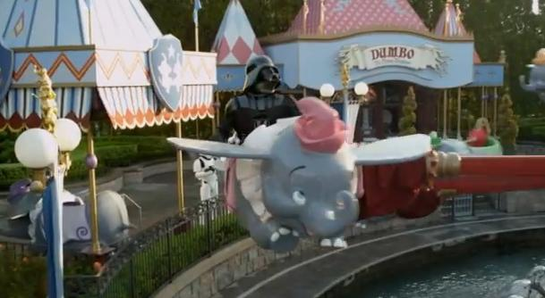 Video genial: Darth Vader a ajuns la Disney. Clipul senzational care face inconjurul lumii in acest moment