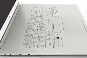 Acer Aspire S7, cel mai usor si mai subtire Ultrabook cu touch si Windows 8, acum in Romania