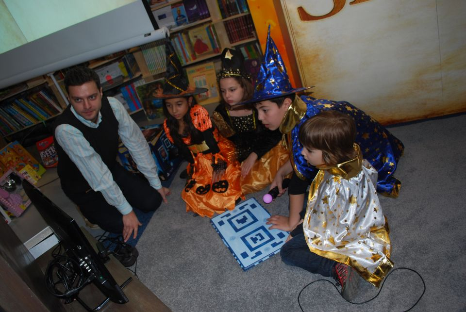 Copiii din Romania pot intra in pielea lui Harry Potter, prin realitate augmentata Copiii-din-romania-pot-intra-in-pielea-lui-harry-potter-prin-realitate-augmentata_5