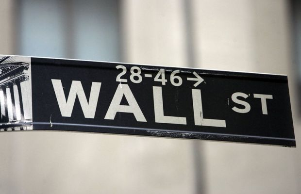 De ce au fost interzise Facebook, Twitter si Youtube pe Wall Street