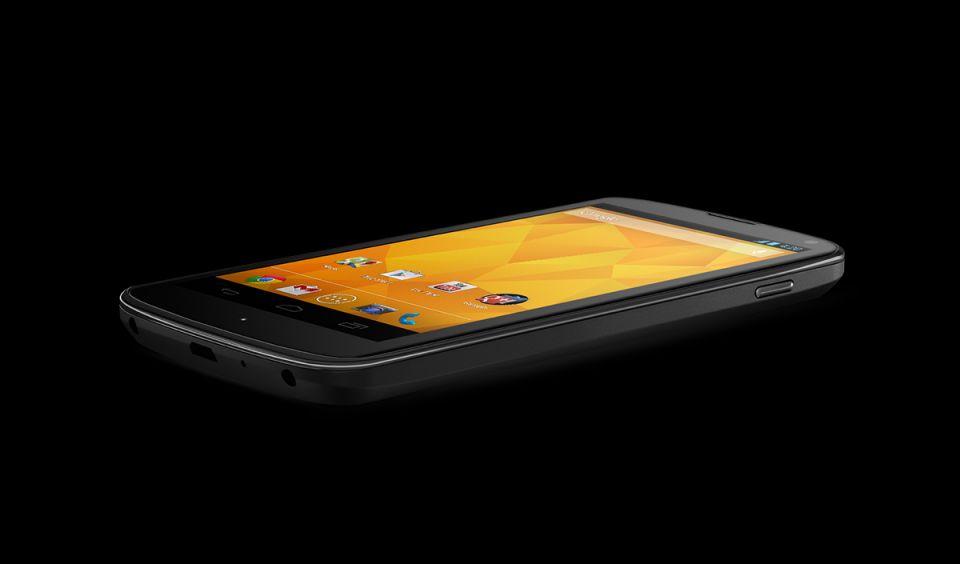 Nexus 4, succes nebun in SUA. Stocurile s-au epuizat in cateva minute Nexus-4-succes-nebun-in-sua-stocurile-s-au-epuizat-in-cateva-minute_4