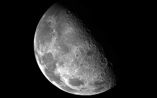 Luna, pulverizata de meteoriti. Fenomenul care a surprins oamenii de stiinta