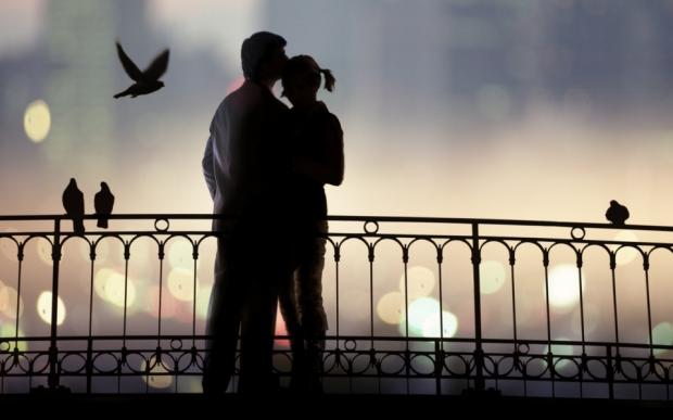 Facebook, cea mai mare agentie matrimoniala. 35% din romanii care au cont isi cauta perechea