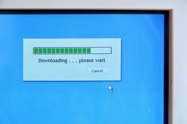 Piraterie online la nivel inalt. Cum  fura  companii precum Sony, Universal si Warner Music