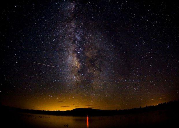 Primul fenomen astronomic al anului 2013: o ploaie de stele spectaculoasa