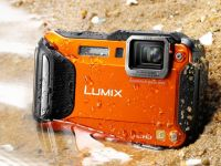 Panasonic Lumix la CES 2013: Camera foto extrema FT5, care rezista in apa si la inghet, plus suratele sale cu Wi-Fi si NFC