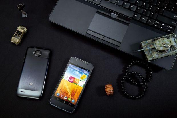 ZTE Grand Era, cel mai subtire telefon quad-core din lume