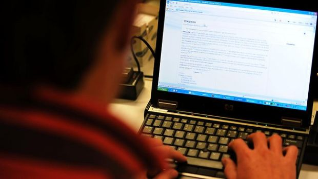 62% din cei care navigheaza pe Internet primesc mesaje cu continut sexual. Cati sunt minori