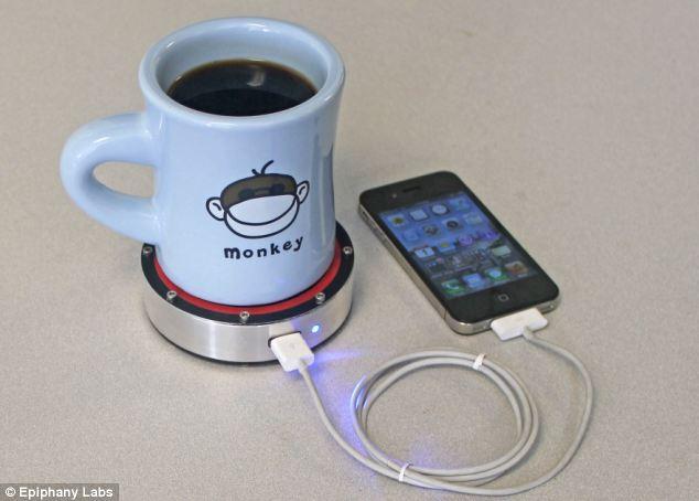 Cum poate o cana cu ceai fierbinte sa-ti incarce telefonul mobil