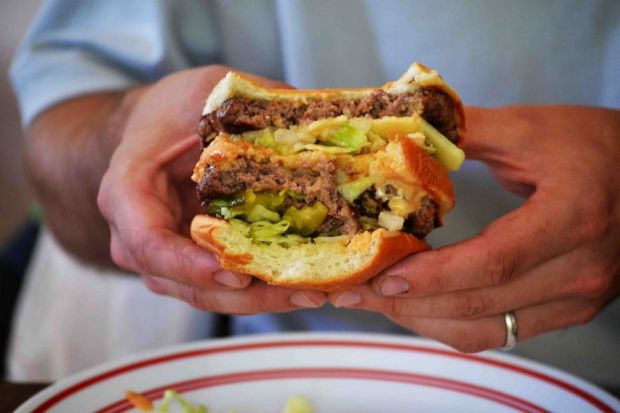 Cate clickuri trebuie sa dai ca sa elimini caloriile unui Big Mac din organism