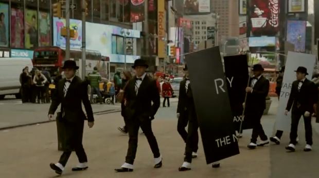 Samsung Galaxy S4, spectacol pe strada inaintea lansarii. VIDEO