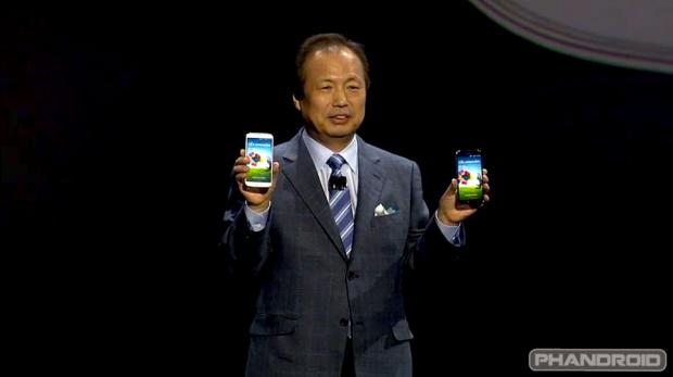 Primul Samsung cu ecran flexibil? Interviu cu seful diviziei smartphone de la Samsung