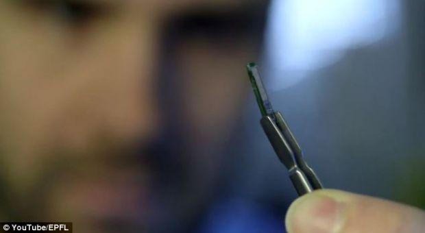 Chipul care, odata implantat sub piele,  suna la doctor  daca sesizeaza schimbarea starii de sanatate