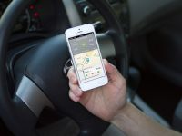 Justitia s-a pronuntat: cand esti la volan n-ai voie sa verifici hartile pe telefonul mobil