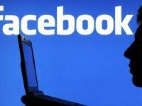Sapte parinti din zece comunica prin Twitter si Facebook cu copiii lor
