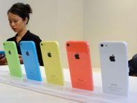 Actiunile Apple au scazut cu 3,2%, dupa lansarea iPhone 5C. Compania pastreaza misterul privind precomenzile