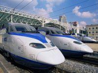 Te duc la destinatie cu viteze de pana la 350 km/h! Cum arata trenurile-fulger din lume. GALERIE FOTO