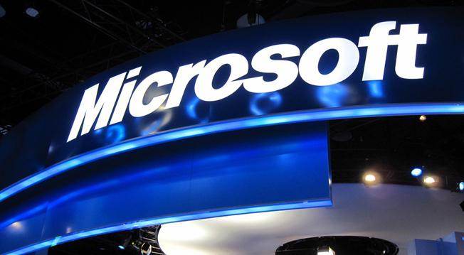 Microsoft i-a platit 100.000 dolari unui hacker dupa ce a gasit o eroare in Windows 8