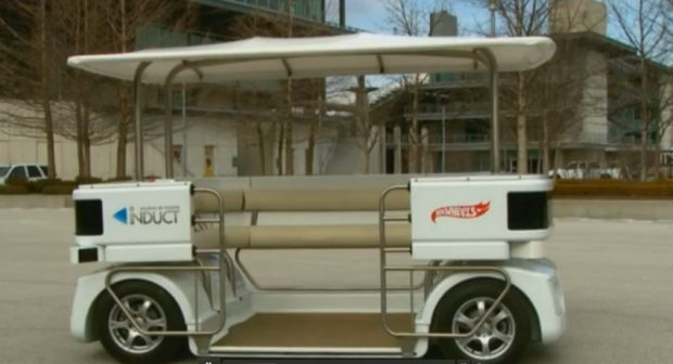 Prima masina comerciala care nu are nevoie de sofer a fost pusa la vanzare. Cat costa si ce viteza prinde