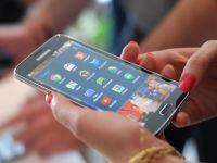 Test nebun: Samsung Galaxy S5 si Galaxy S4, trantite de beton. Care rezista cel mai bine. VIDEO