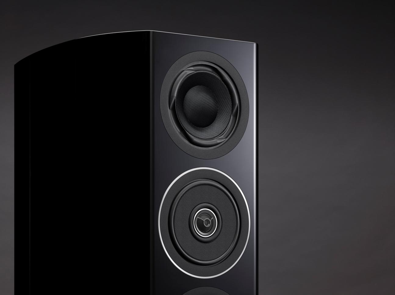 panasonic resusciteaza legendarul brand audio tehnics. Black Bedroom Furniture Sets. Home Design Ideas