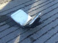 Un barbat implicat intr-un accident de masina a fost ranit de iPhone-ul sau care a luat foc