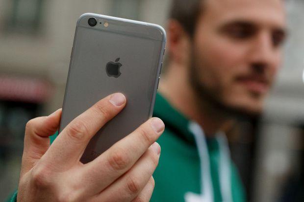 Decizia Apple care ii face pe utilizatori sa renunte mai usor la iPhone