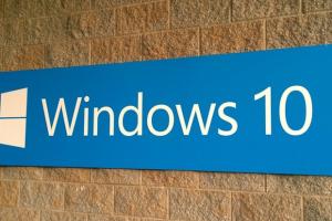Cum poti castiga $100.000 daca iti instalezi Windows 10