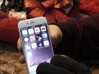 VIDEO Trucul extrem de simplu prin care poti umbla cu manusi pe orice smartphone