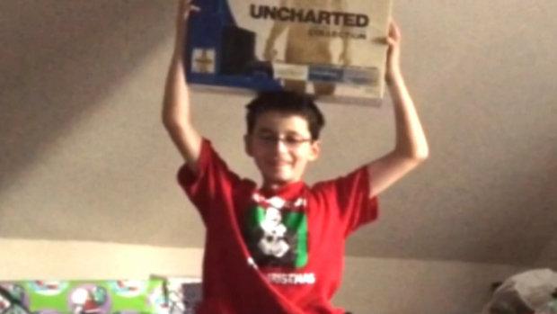Este cel mai tare cadou de Craciun!  Ce a gasit un copil de 9 ani in cutia de cadouri iti va rupe inima
