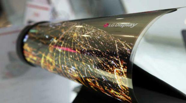 LG prezinta ecranul de 18 inch care se indoaie ca o foaie de ziar
