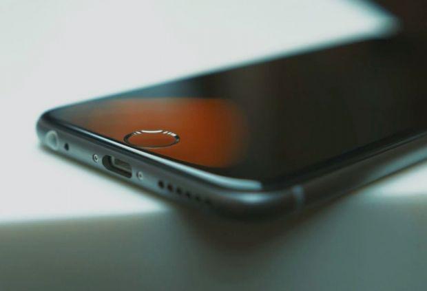 Apple le-a cerut milioanelor de utilizatori de iPhone si iPad sa returneze incarcatoarele:  Exista riscul unui soc electric