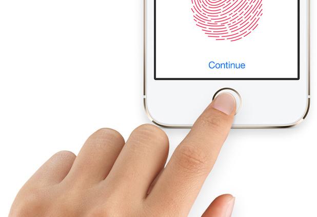 Reactia Apple dupa ce mai multi posesori de iPhone s-au trezit cu telefoanele inutilizabile