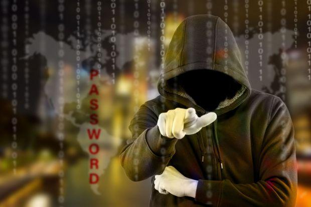 Nu sunt cine credeti ca sunt!  Ce surpriza! Cine a fost arestat pentru atacurile cibernetice asupra CIA si FBI